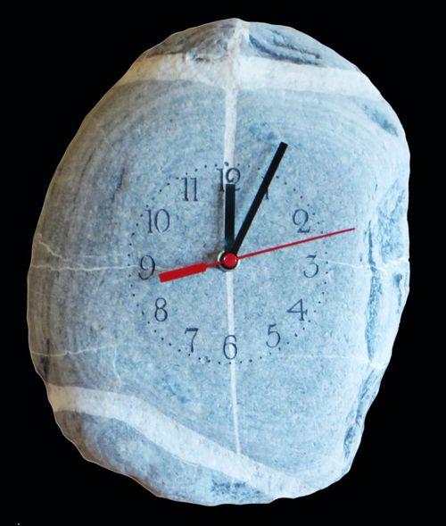 Bachkiesel Uhr