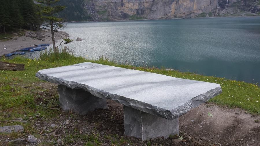 Sitzbank am Oeschinensee